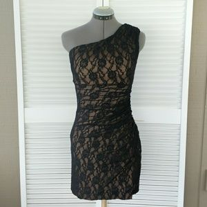 Maggy London black lace one shoulder party dress 2